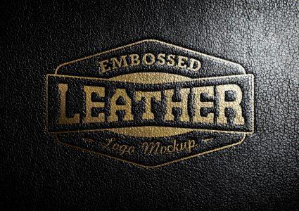Мокап логотипа на черном кожаном фоне