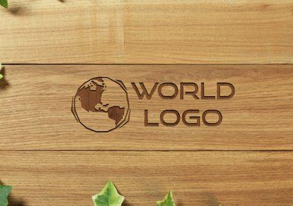 Мокап логотипа на деревянном фоне