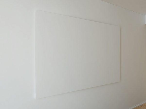 Мокап холста на стене