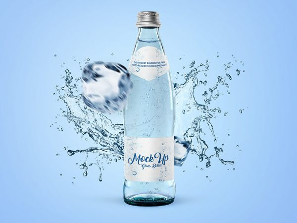 Мокап бутылки воды