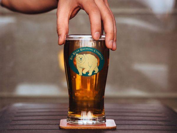 Мокап бокала пива